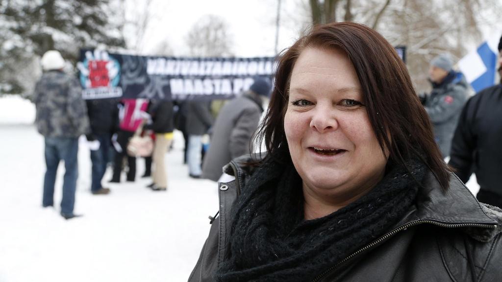 Rasismia ja fasismia Tampereella: Perussuomalaisista erotetun Terhi Kiemungin ura 2015-2017