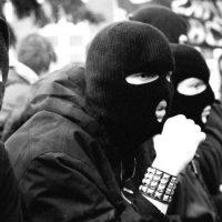 """""""Käytin koko 90-luvun taisteluun fasisteja vastaan Varsovan kaduilla"""" – puolalaisen antifasistin haastattelu"""
