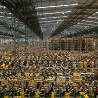 Italiassa lakkoja, työläiset vaativat tehtaiden sulkemista