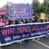 """""""Freiheit für Lina"""" – antifasisti odottaa tuomiotaan Saksassa liikkeen järjestäytyessä tukitoimiin"""